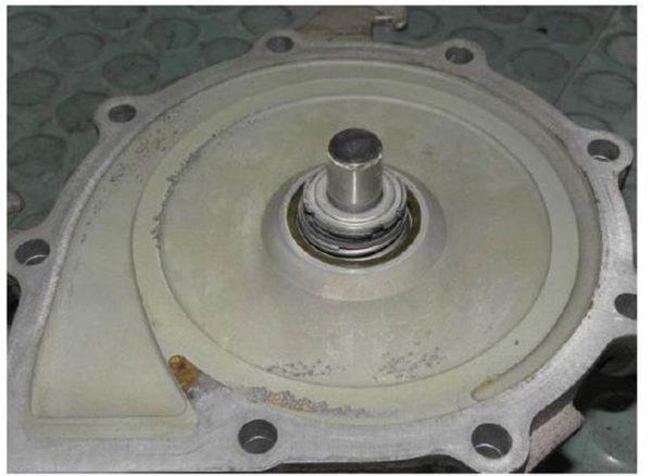 Kavitationsschäden an Pumpengehäuse und Radseitenraum